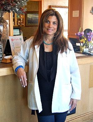 Dr. Yoeny Calas-Dobson DVM